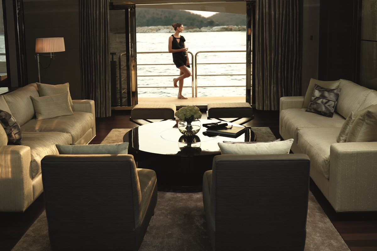 Princess 40M Lifestyle 20-RT V3.jpg