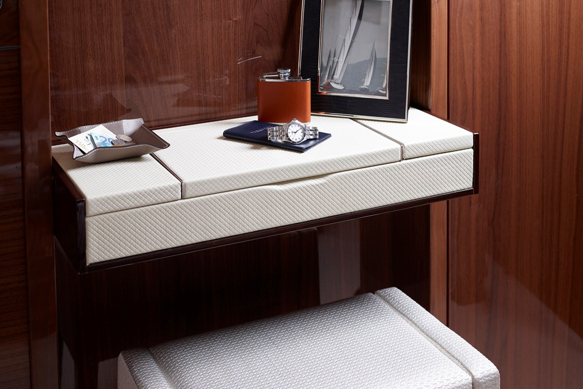 82MY Starboard Cabin Dressing Table 1a.jpg