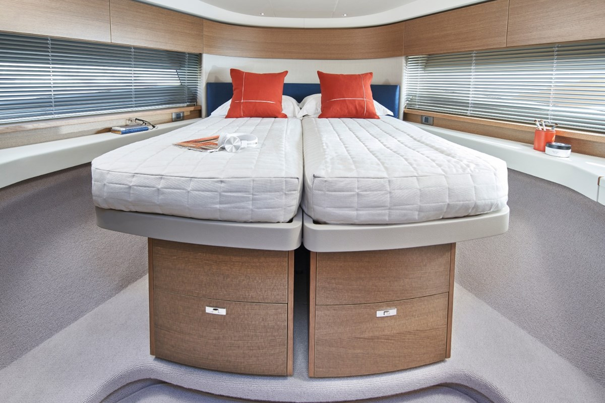 Princess-F45-Forward-Cabin-2-RT.jpg