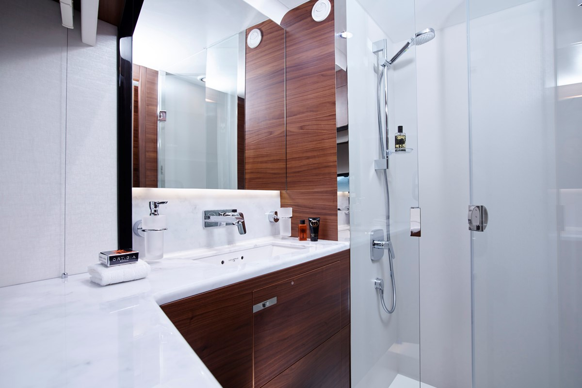 18 75 Motor Yacht interior - port cabin bathroom (American Walnut Satin).jpg