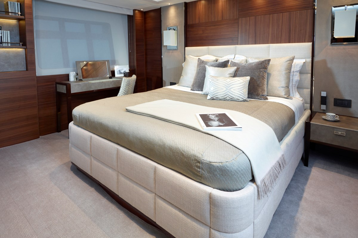 Princess 40M Forward Cabin-RT.jpg