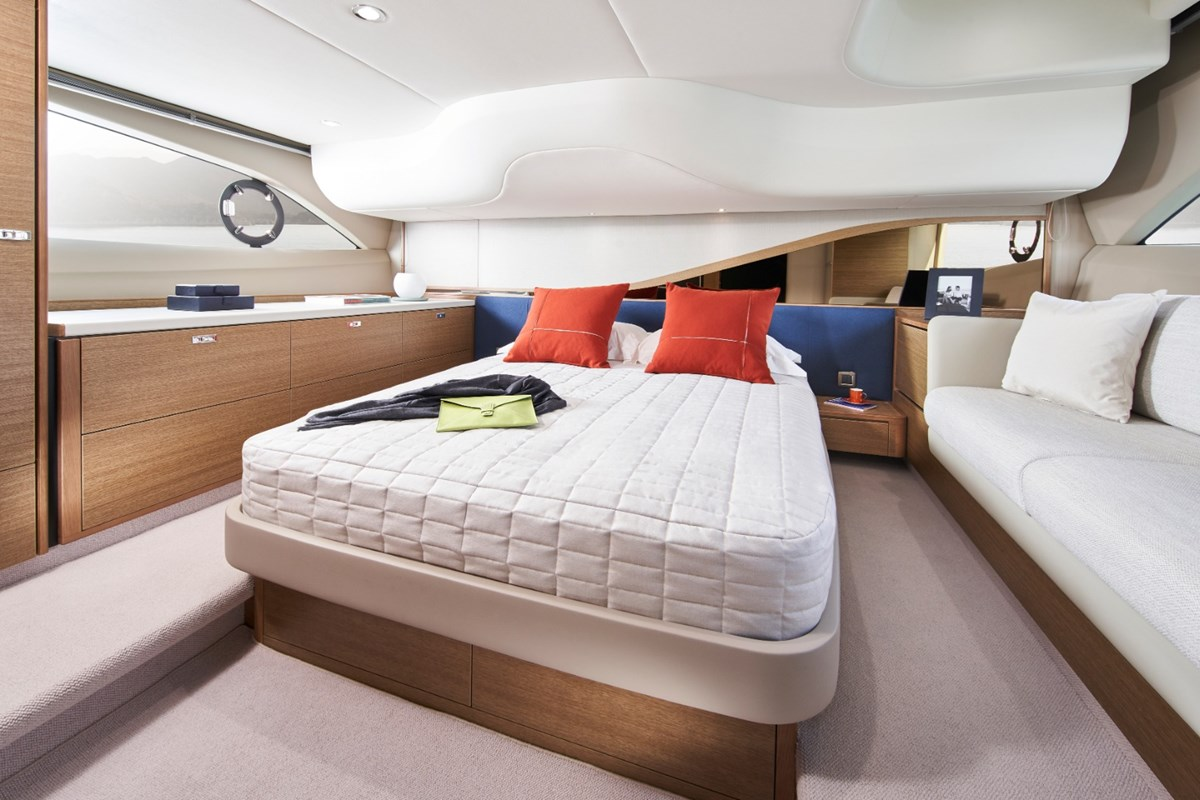 Princess-F45-Master-Cabin-RT.jpg