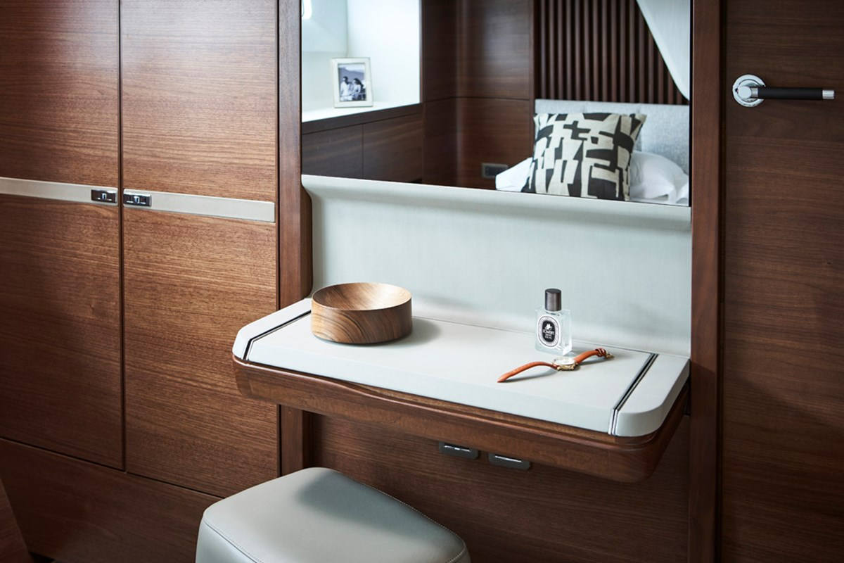 85MY Starboard Double Dressing Table Detail.jpg