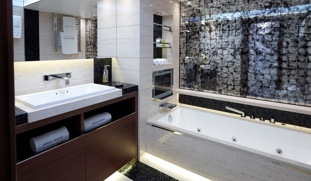 Princess 40M Master Bathroom 2.jpg