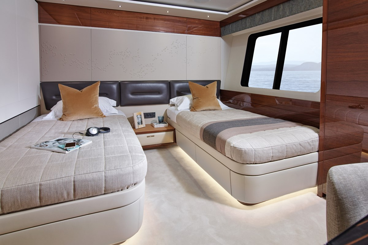 35M Forward Starboard Cabin 1 RT.jpg