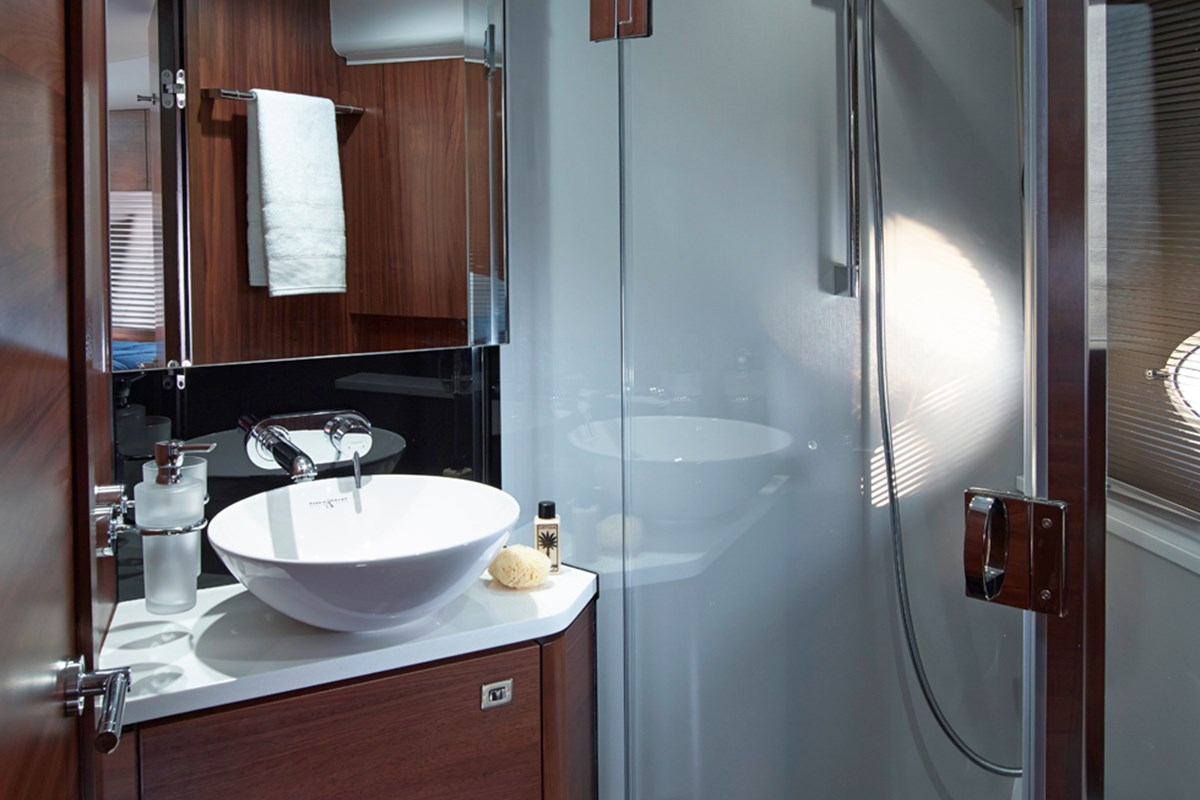 Princess V48 Forward Bathroom - RT.jpg