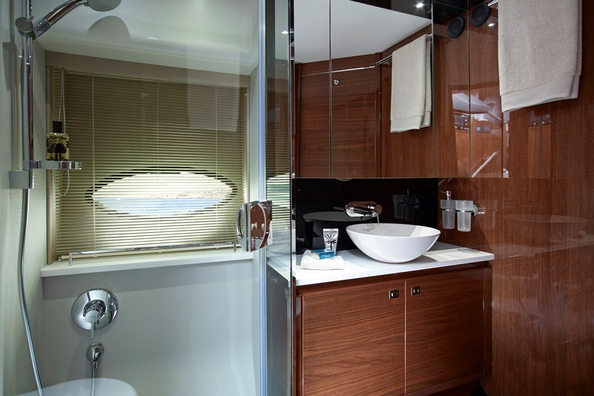 P60 Port Forward Bathroom (2).jpg