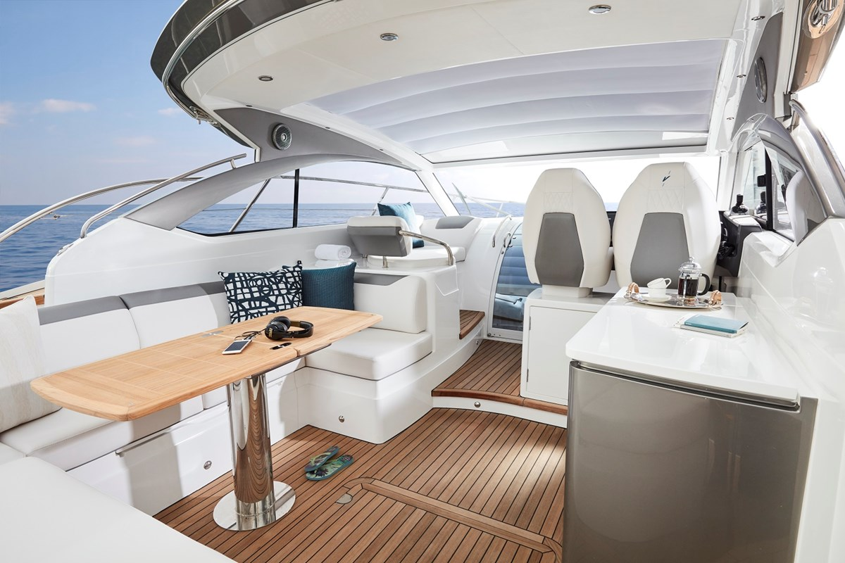 V40 exterior - main deck (2) - Copy.jpg