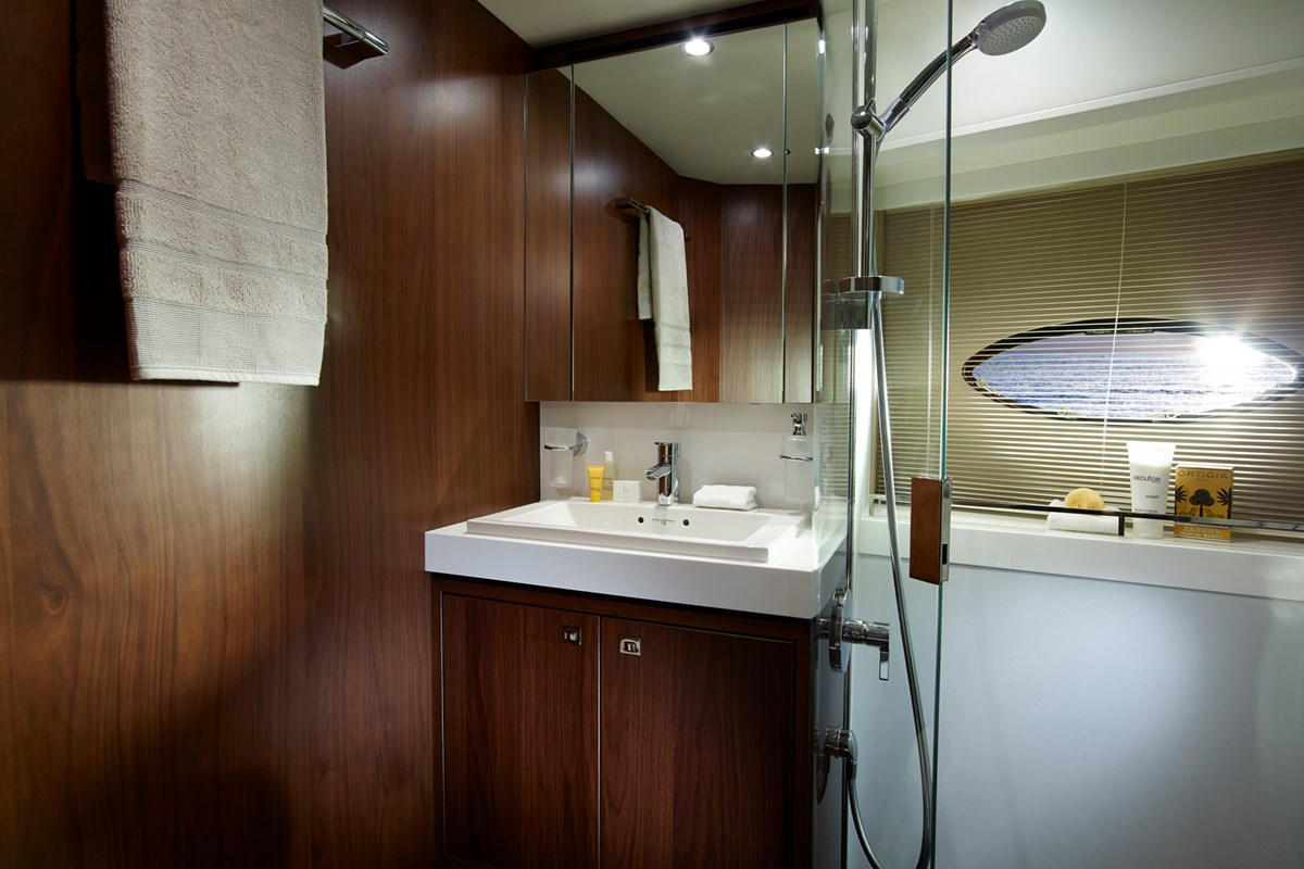 S72 Starboard Bathroom retouched.jpg