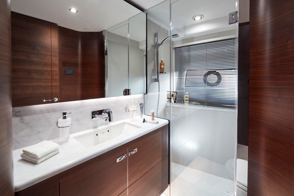 S78 Starboard Bathroom 2 RT.jpg