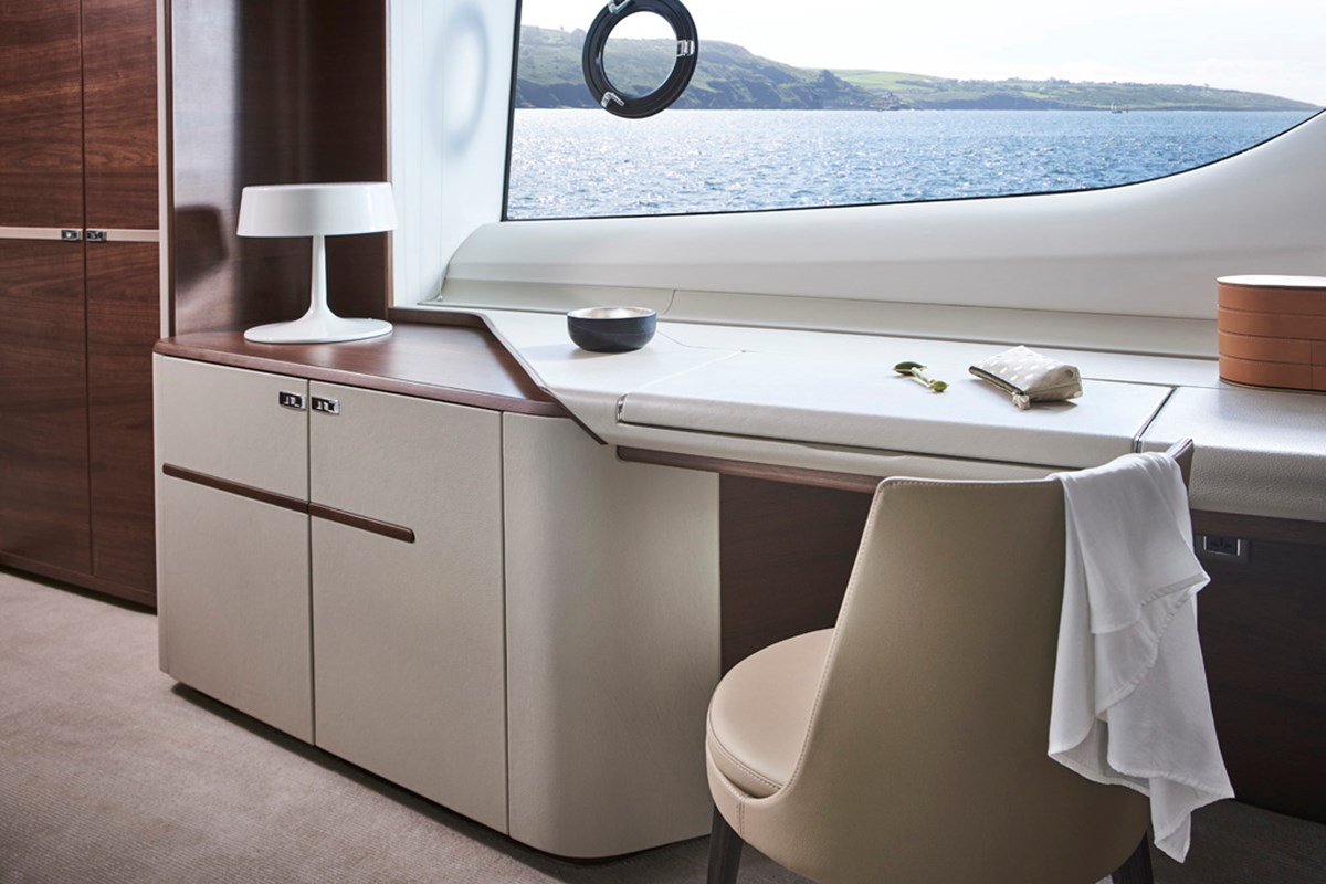 85MY Master Stateroom Dressing Table 1 RT.jpg