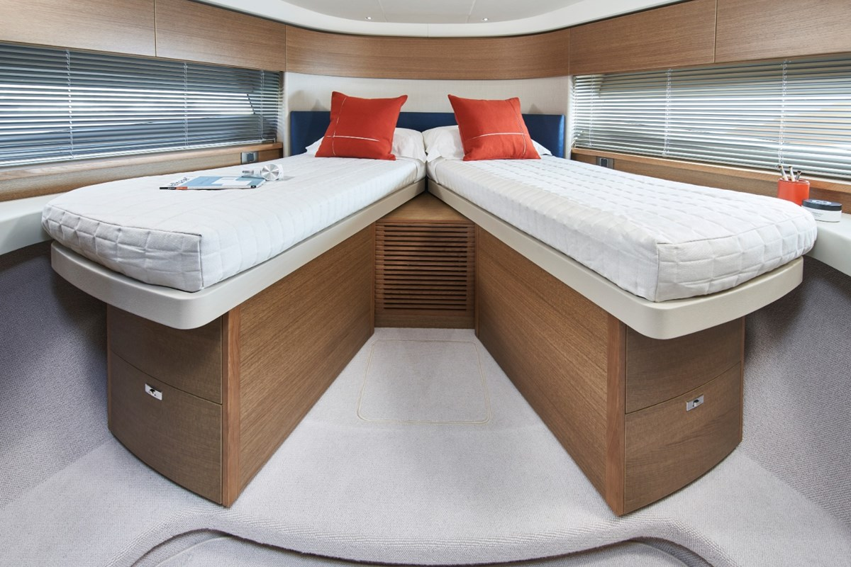 Princess-F45-Forward-Cabin-1-RT.jpg
