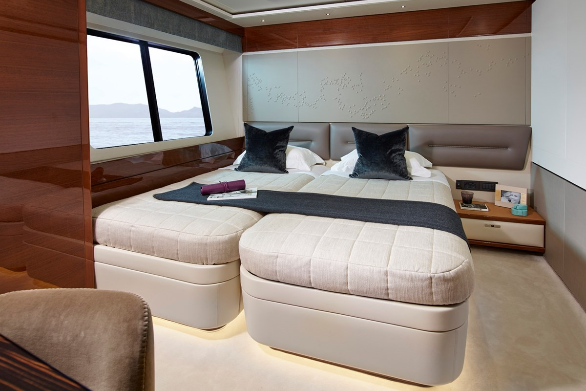35M Forward Port Cabin 2 RT.jpg