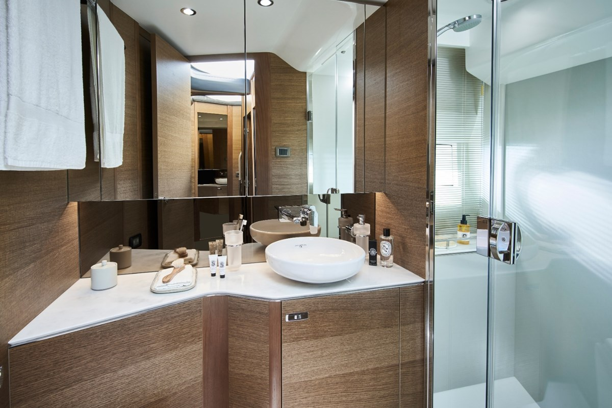 Princess-F45-Forward-Bathroom-RT.jpg