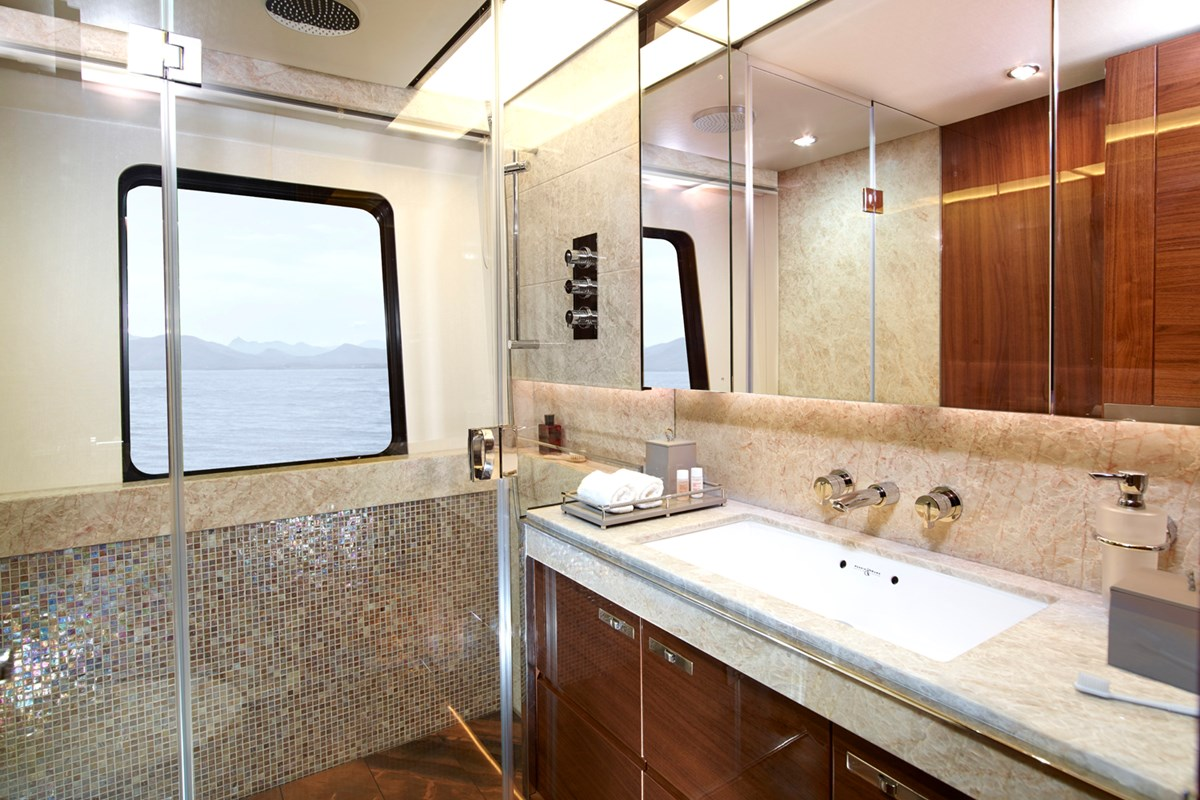 35M VIP Cabin Bathroom RT.jpg