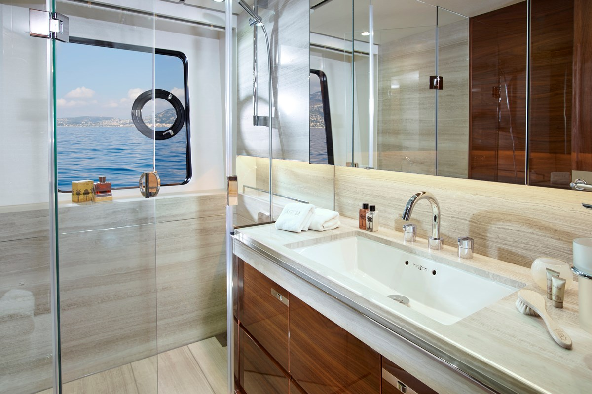 30M Port Double Bathroom 1.jpg
