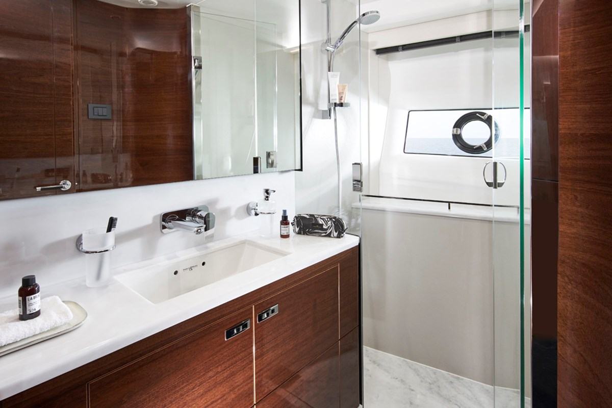 V78 Starboard Bathroom 1 RT.jpg