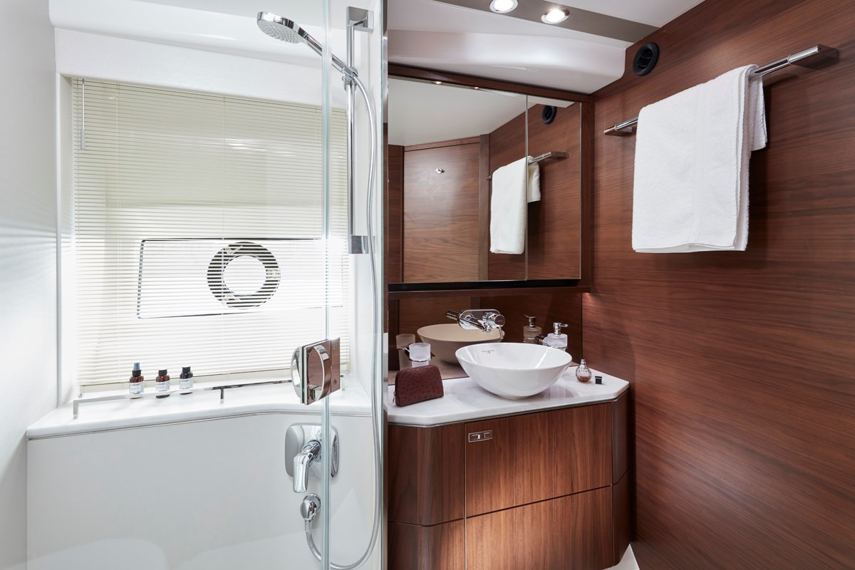 P62 Forward Bathroom.jpg