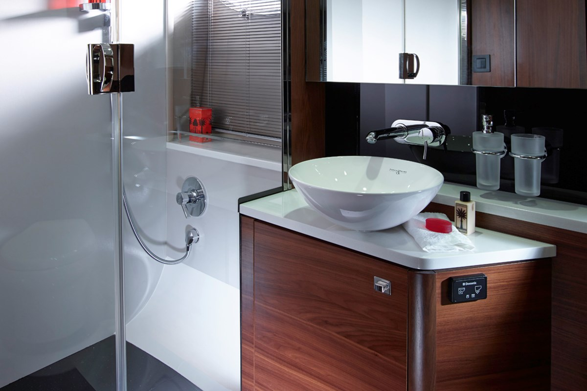 Princess V48 Owners Bathroom - RT.jpg