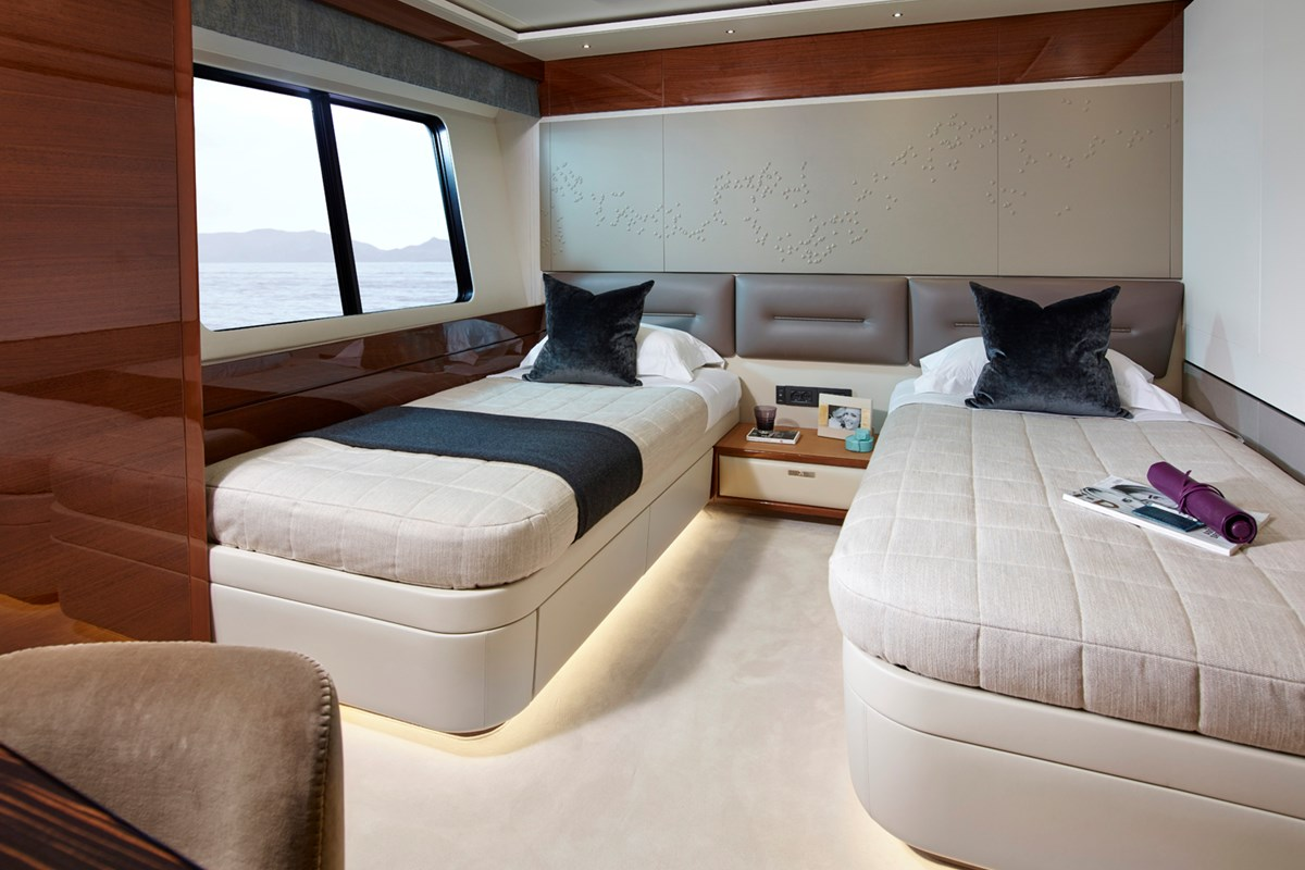 35M Forward Port Cabin 1 RT.jpg
